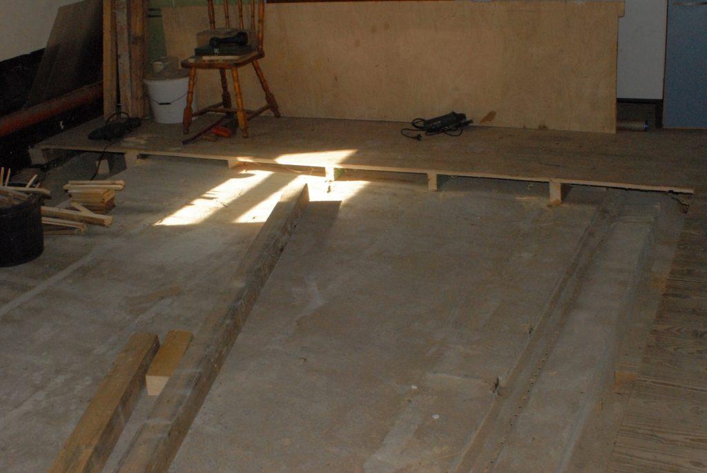 Neuer Raum 050415 Holzboden entfernen_2